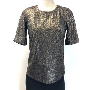 ANN TAYLOR short sleeve gold paisley top